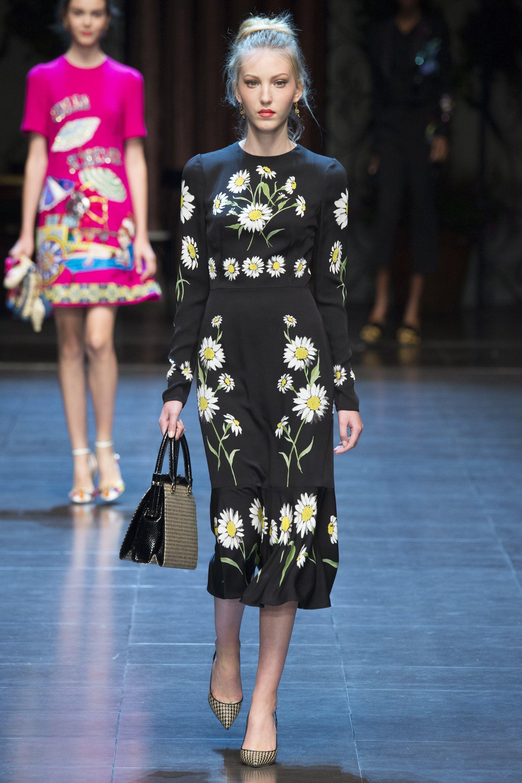 b25a4fcac209 Dolce   Gabbana Spring 2016 Ready-to-Wear Fashion Show in 2019