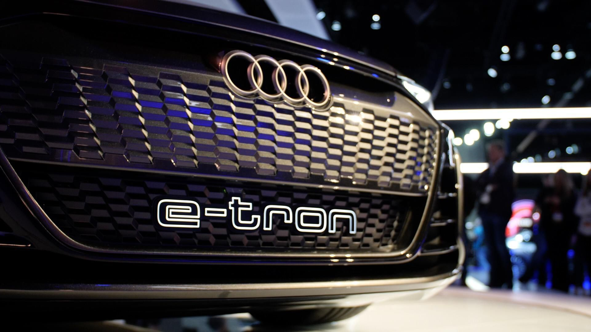 Electric Audi E Tron Gt Coming In 2020 With 249 Mile Range English