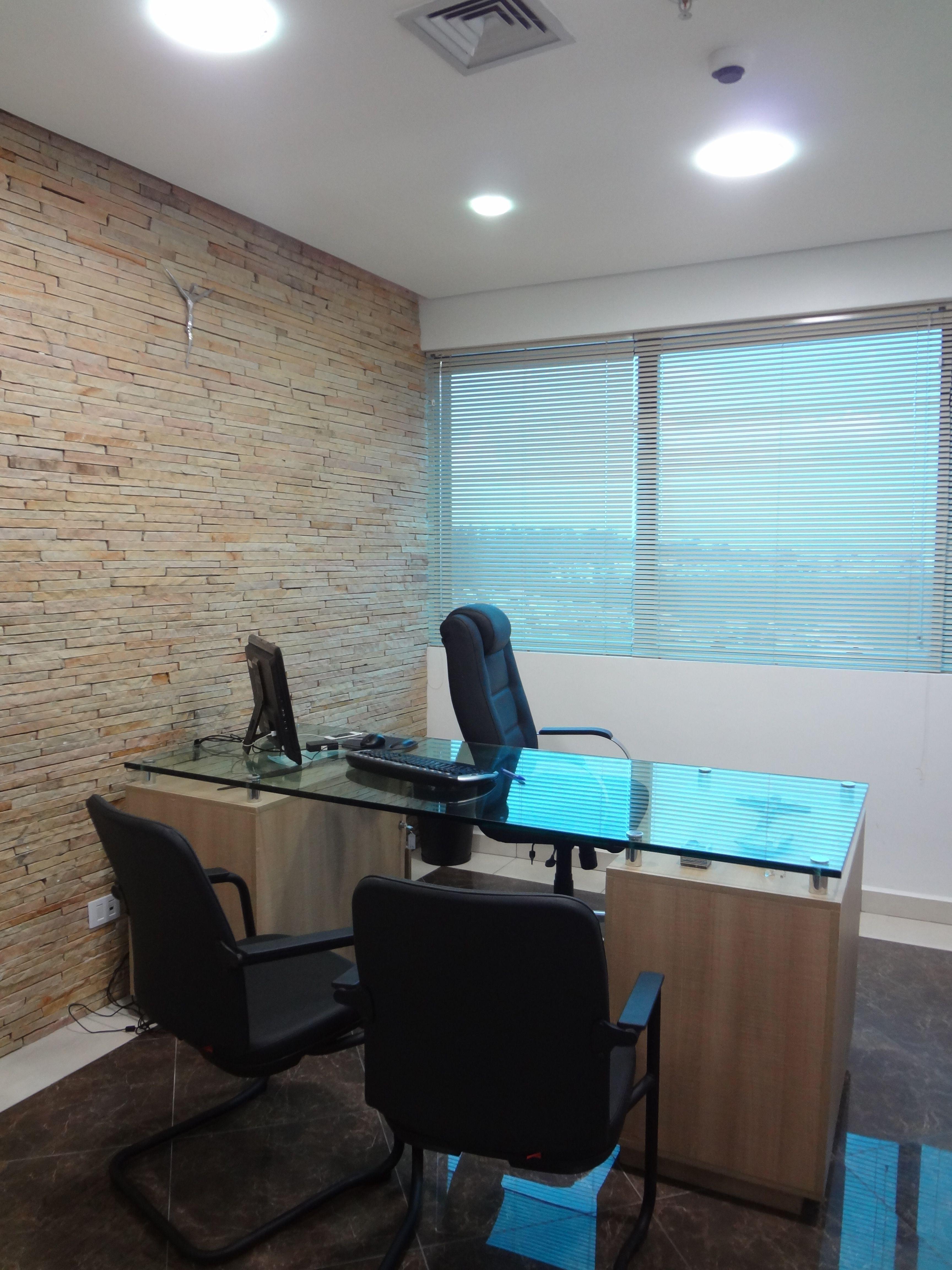 Escritório de Advocacia em Taboão da Serra. Veja mais em: http://espacobrarquitetura.blogspot.com.br/2014/07/projeto-de-escritorio-de-advocacia.html