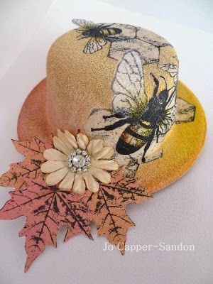 Stampotique Designer's Blog: A Bee ON My Bonnet.