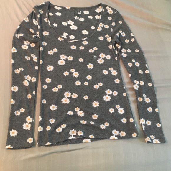 Floral long sleeve NWOT Cute long sleeve floral shirt. Cheaper on ♏️ercari PacSun Tops Tees - Long Sleeve