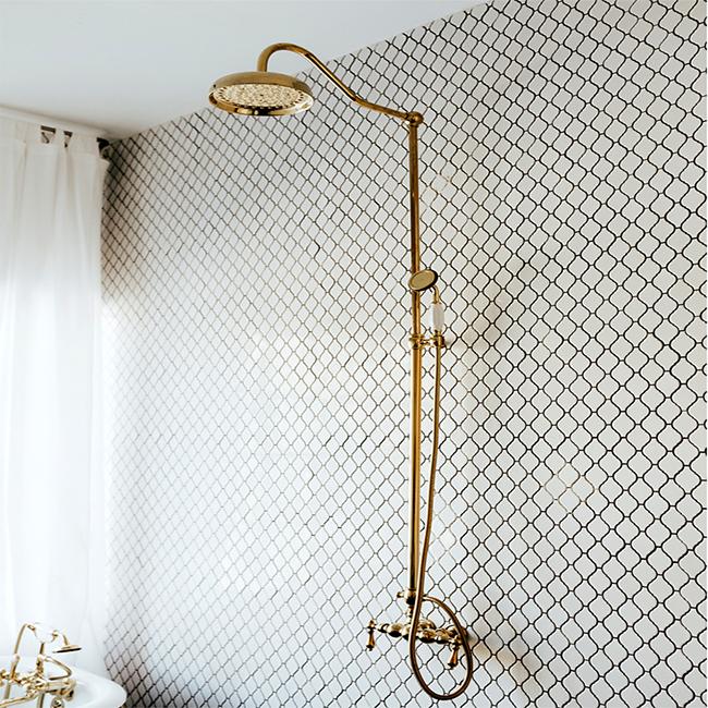 Photo of Kingston Brass Polished Brass Rain Drop Clawfoot Faucet Shower CCK6172