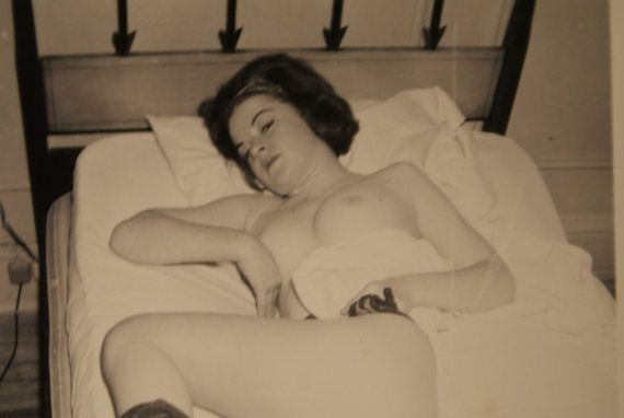 1950s mature nudes - 1950s - Erotic Pin Up Photograph - Original Vintage Photograph - Mature Nude  Art of Women
