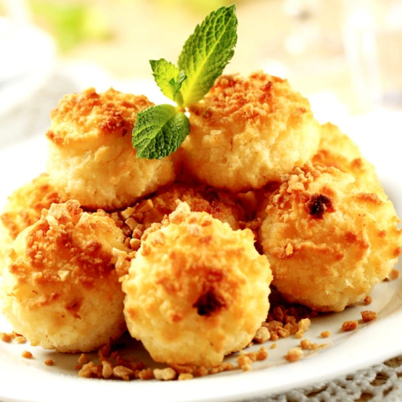 This tasty toasted macaroon cookie recipe is easy to make.. Macaroon Cookie Recipe from Grandmothers Kitchen.