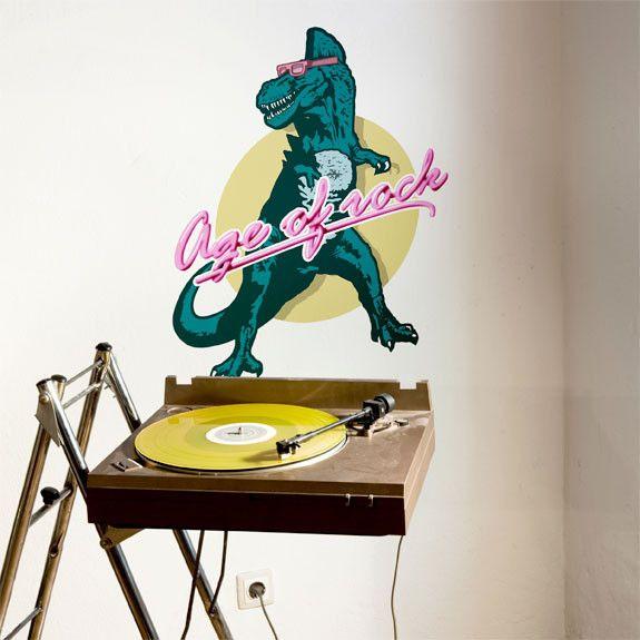 Musique intemporelle, le rock traverse les générations. Le rock, c'est comme les dinosaures: mon ami et bien plus encore.