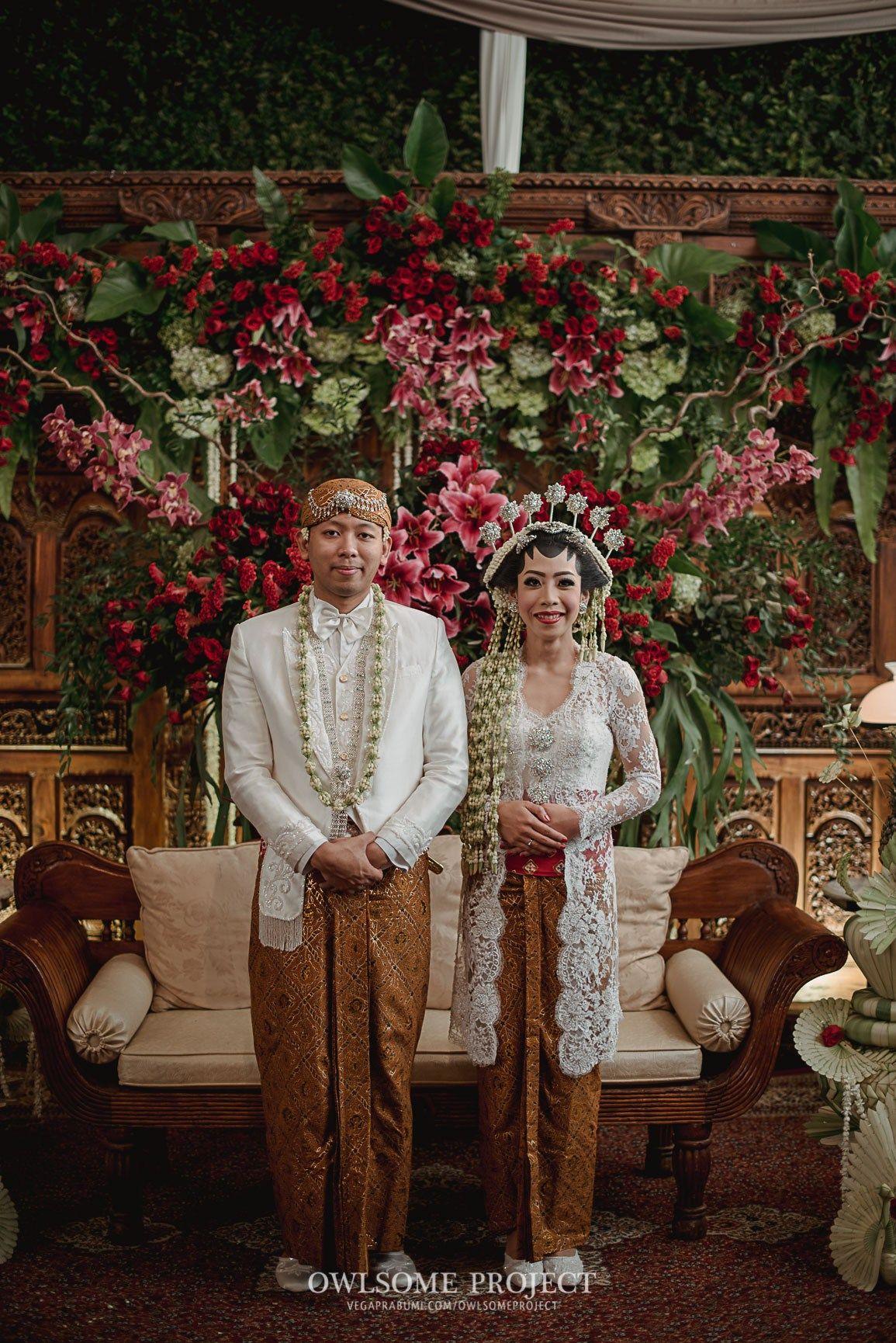 Kombinasi adat Jawa dan konsep rustic memang jarang