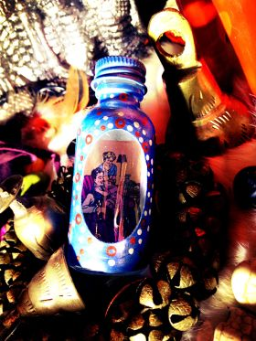 Peaceful home Spell Bottle / Witch Bottle // Alleged to calm family members and bring happiness to the home.  Mini Bottle Spell, Painted, fixed with all contents, candle, petition paper, and consecrated on The Witch's altar.