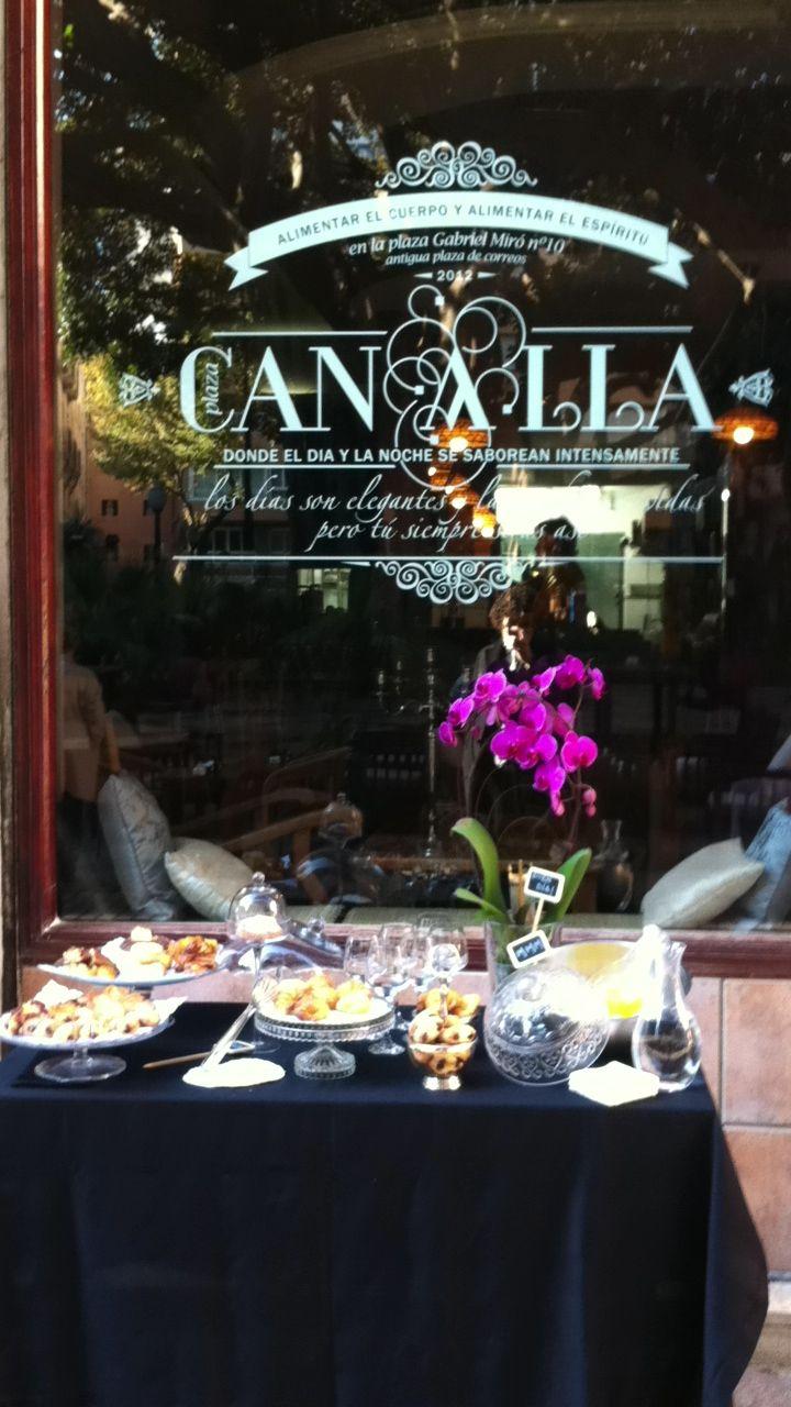 Plaza Canalla Cafeteria Con Degustacion De Bolleria De Desayunos Con Buffet En La Terraza Como Si Fuera El Desayuno De Degustaciones Cafeteria Punto De Venta