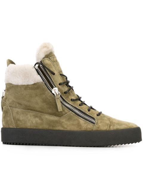 Shoppen Giuseppe Zanotti Design High-Top-Sneakers mit Reißverschlüssen von Gente Roma aus den weltbesten Boutiquen bei farfetch.com/de. In 400 Boutiquen an einer Adresse shoppen.