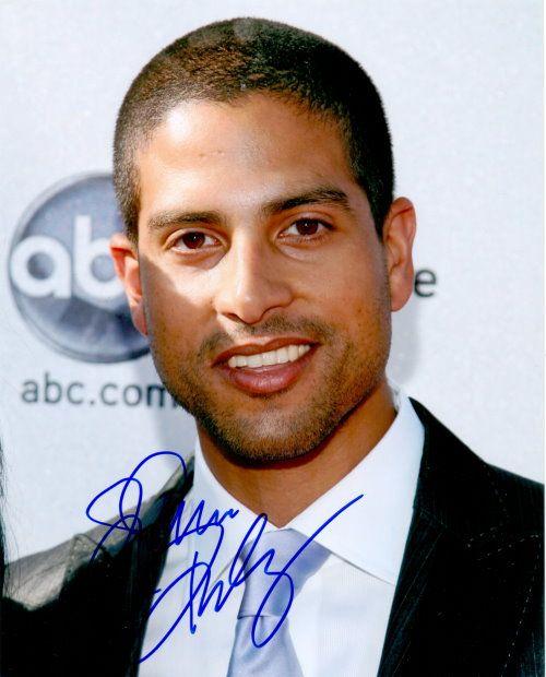 Adam Rodriguez – Original signiertes Foto ca. 20x25cm des Darstellers aus CSI MIAMI. www.starcollector.de