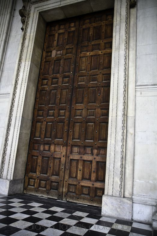 30 ft door at St Paul's Cathedral