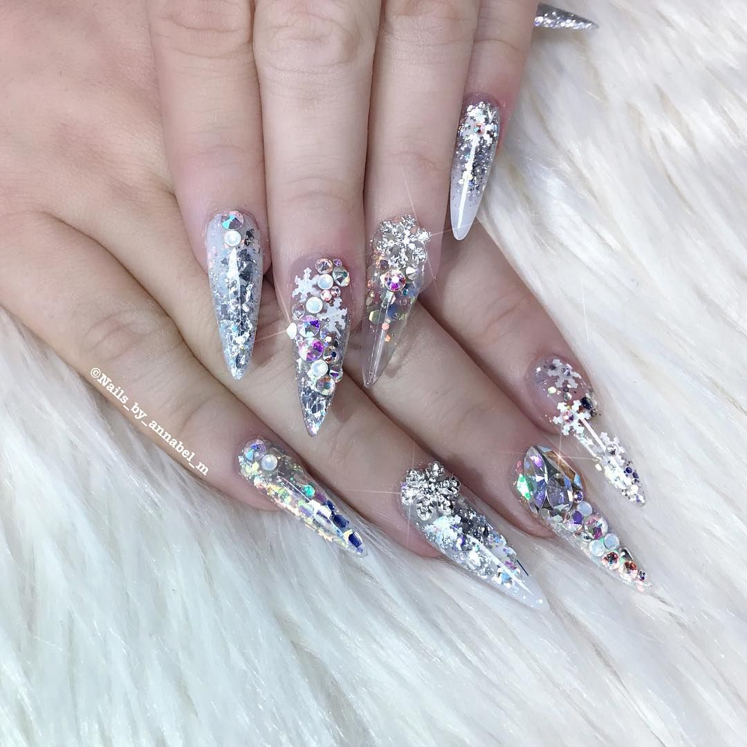 Lover Of Everything That Sparkles Facebook Nails By Annabel Snapchat Annabel Ellam Annabels Salon Uk Staff Bling Nails Nails Really Cute Nails