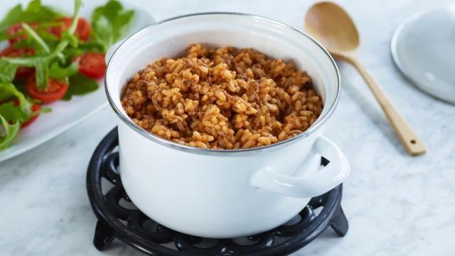 Oppskrift på Risotto med kjøttdeig og tomat, foto: