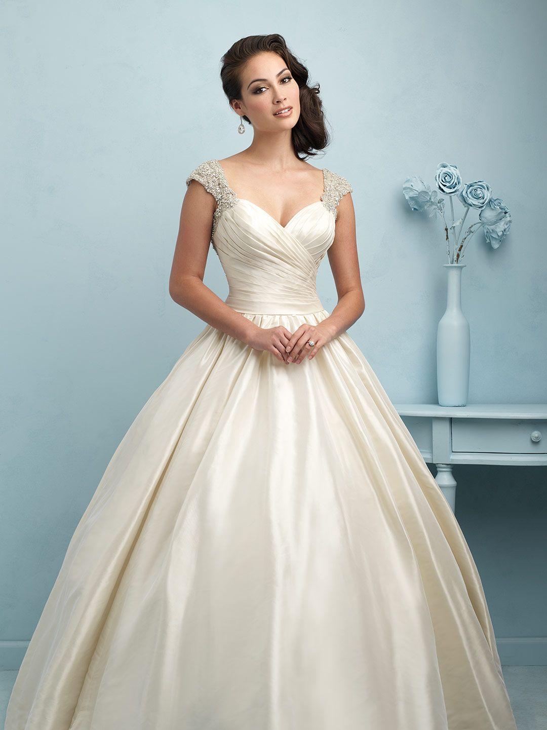 Simple Satin | Mi boda | Pinterest | Vestidos de novia, De novia y ...