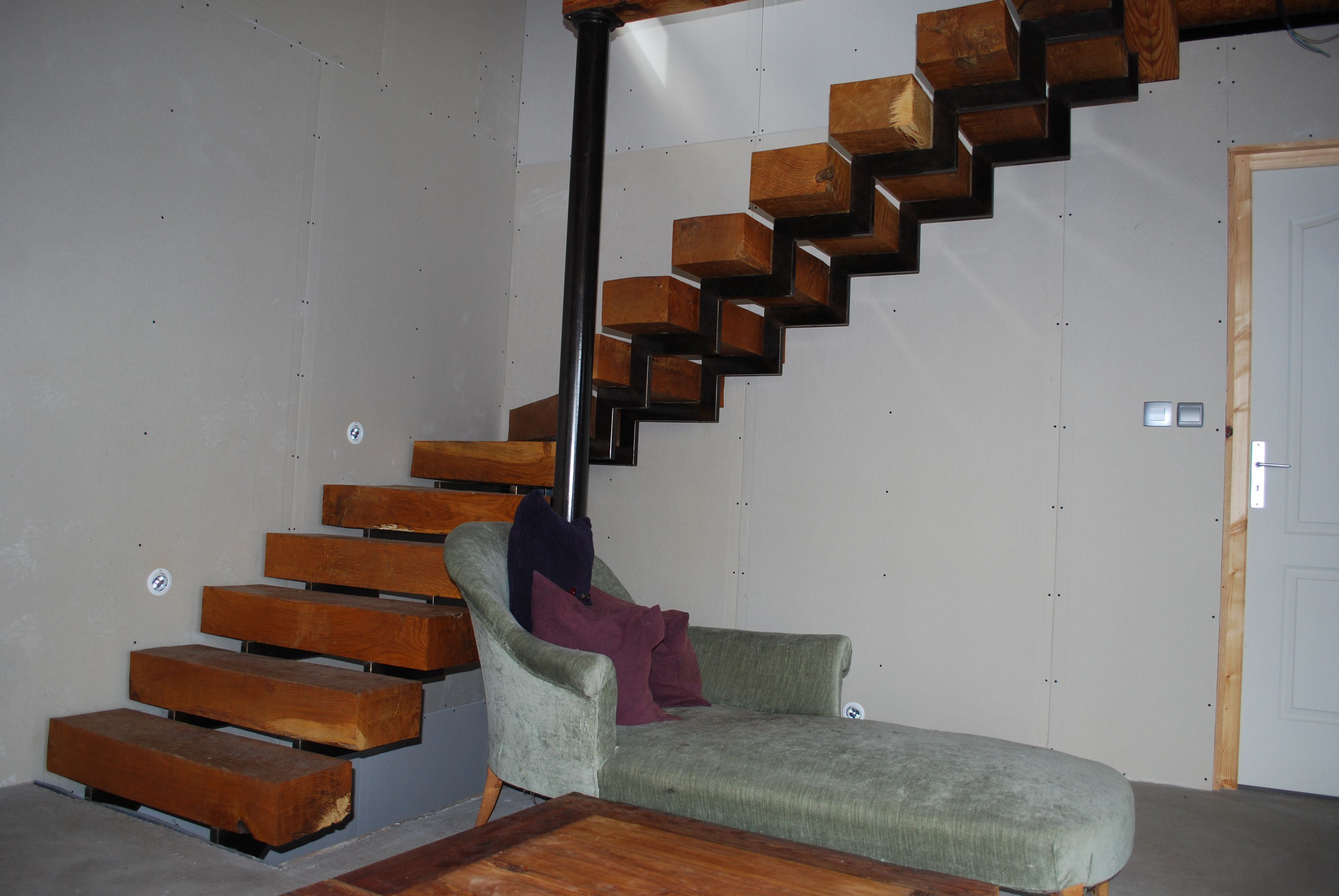 Best Impressive Wood And Metal Staircase Made By Ironwood Motif 640 x 480