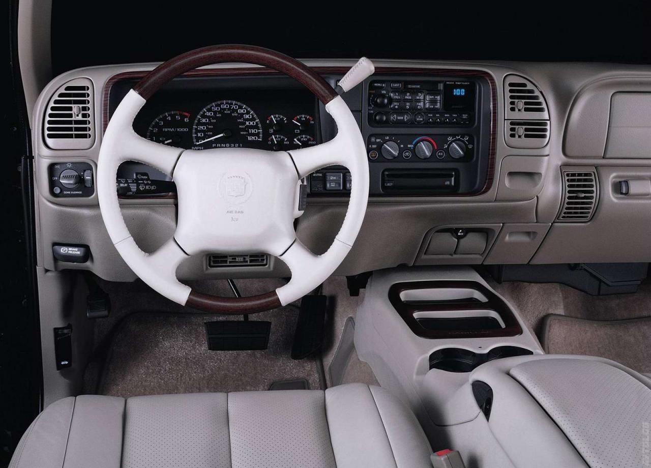 White diamond cadillac escalade wanna be a cheer mom in style one of these days pinterest camioneta motocicleta y avi n
