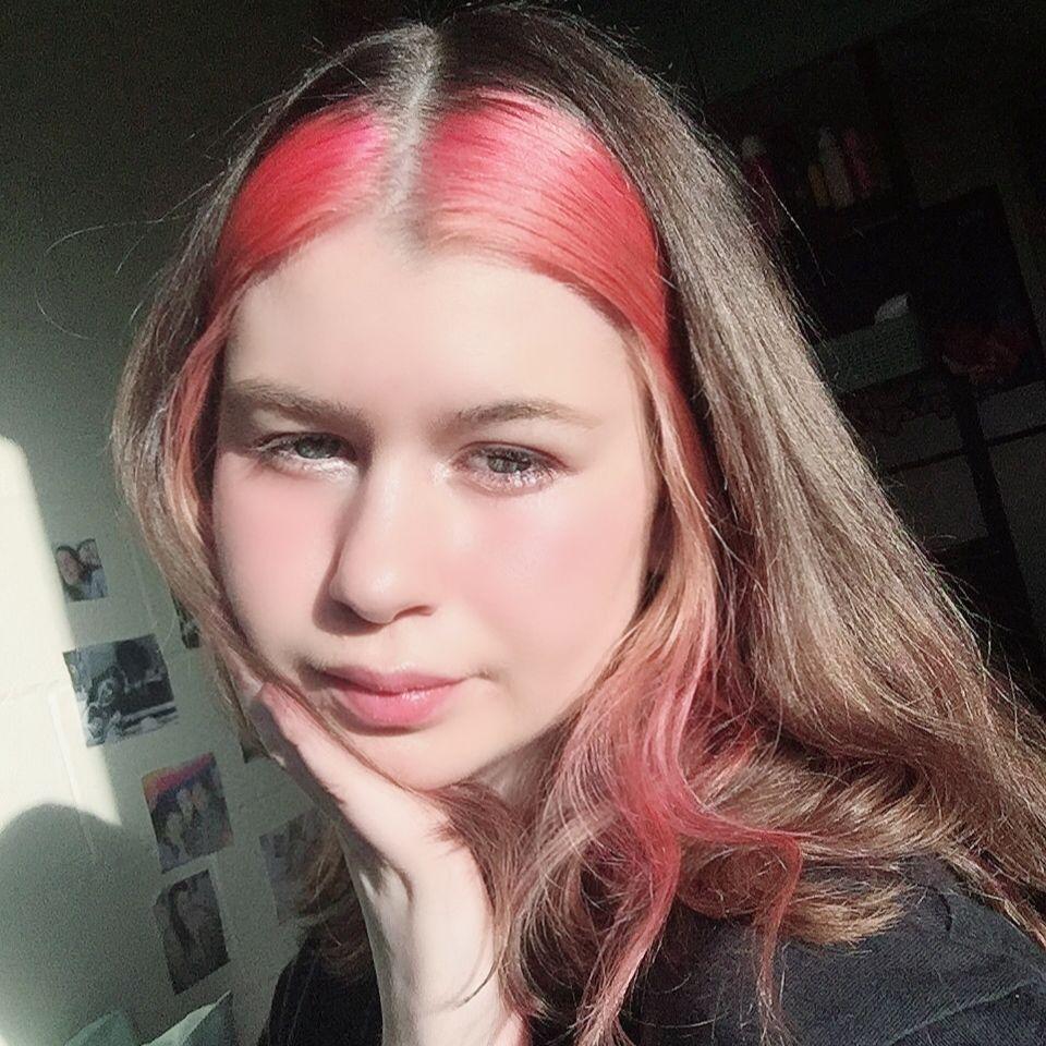 Hair Streak In 2020 Purple Hair Streaks Hair Inspo Color Hair Streaks