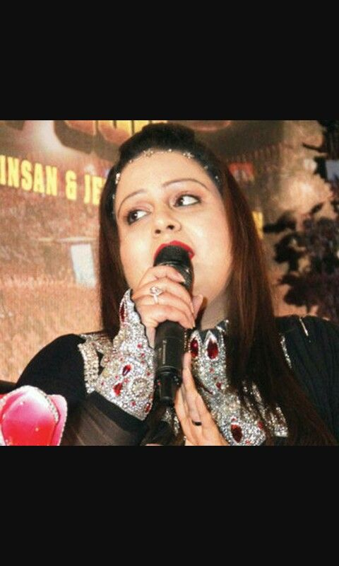 She's Outstanding !! Amarpreet Insan singing during MSG-THE