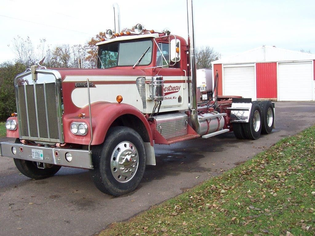 1973 KENWORTH W900 Heavy Duty Trucks - Conventional Trucks w/o Sleeper