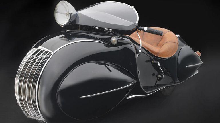Sensuous Steel The Art Deco Cars Of The Frist Center In Nashville Art Deco Car Henderson Motorcycle Art Deco Fashion