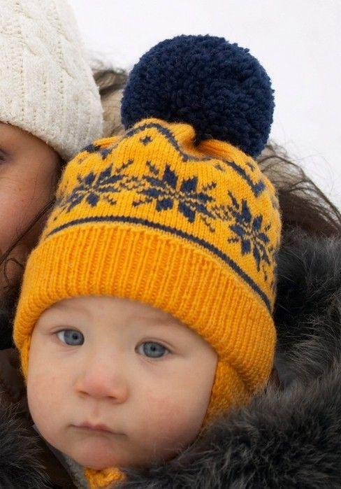 Вязаная детская шапочка с норвежским узором