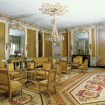 Ch teau de fontainebleau petits appartements deuxi me for Savonnerie salon