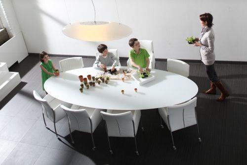 Ovale marmeren tafel