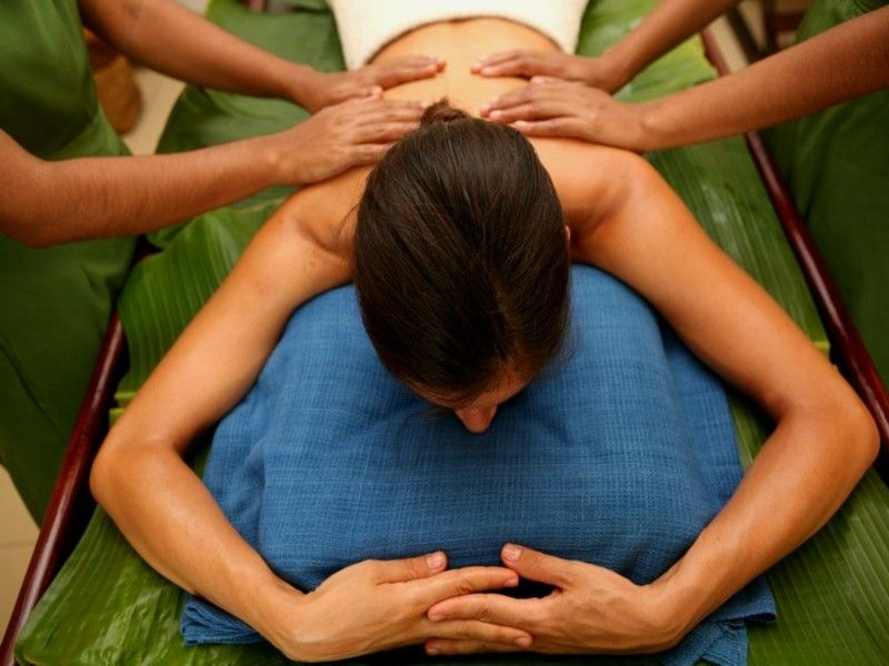 synchronized ayurvedic back massage