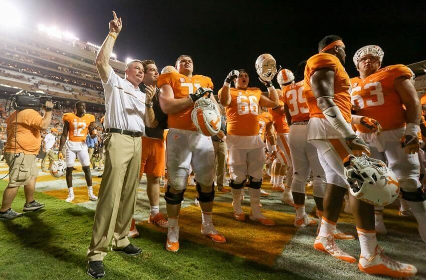 College Football Free Sports Pick Kentucky at Tennessee