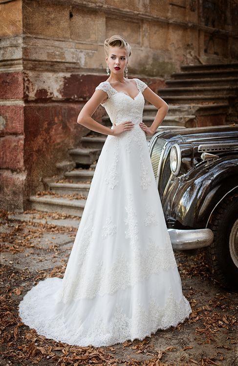 2d32edbac3f9 abito da sposa con vita alta