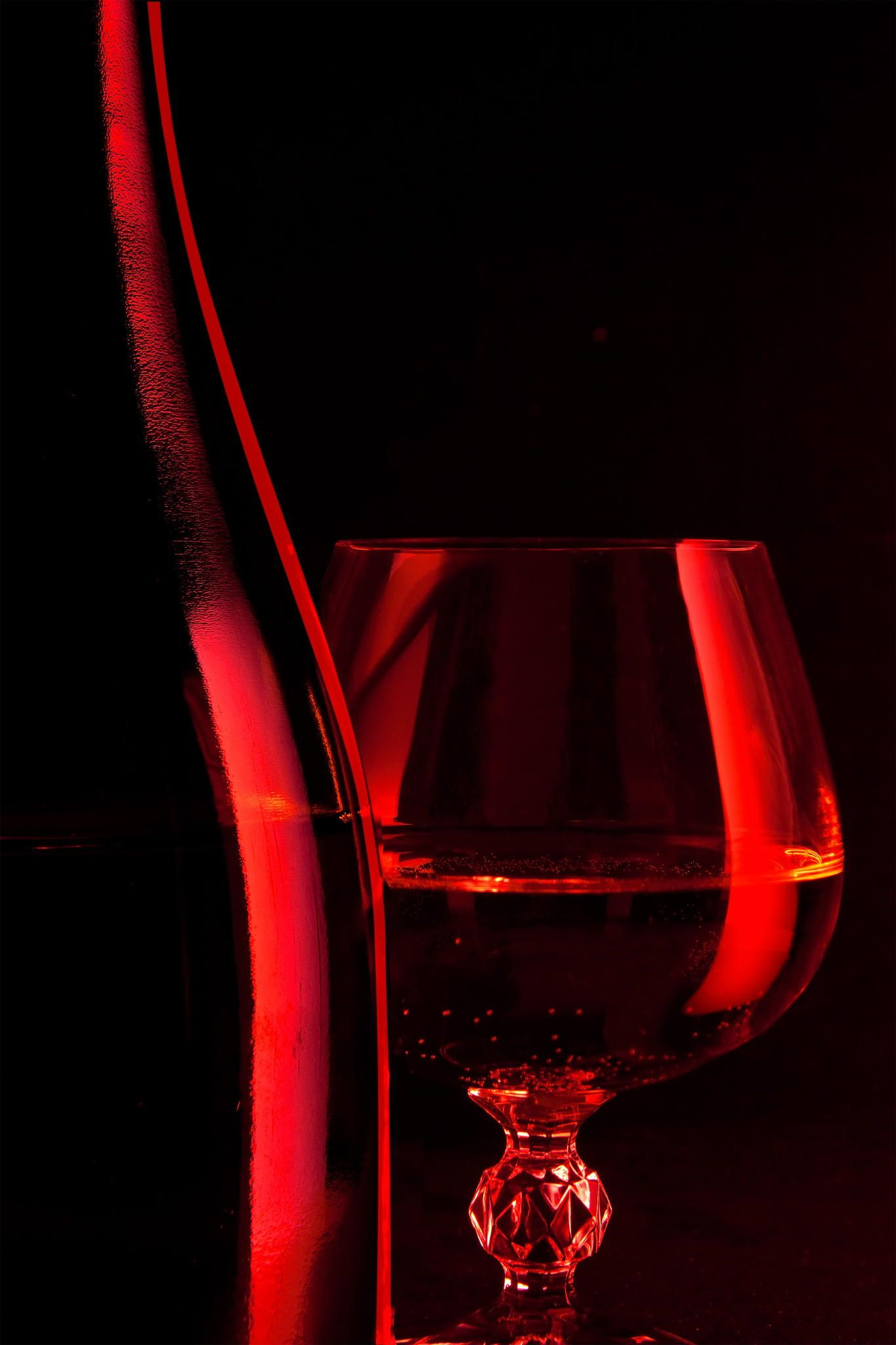 Uwine and glassntitled - wine and glass