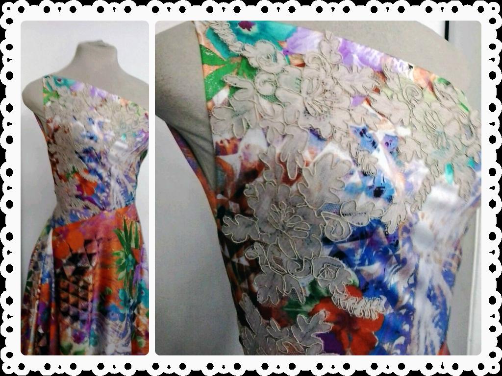 abc918308376 Vestido longo de um ombro só, estampado em diversas cores e desenhos ...