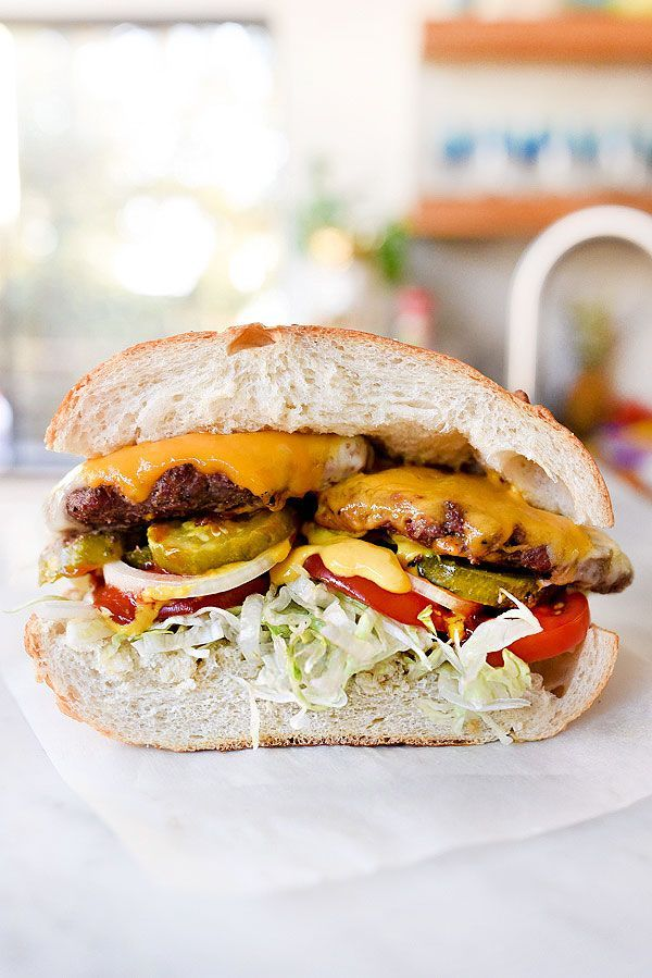 These world famous garlic burgers have just three seasonings and a foods forumfinder Images