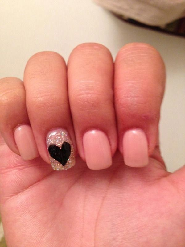 Cute simple nails. Get a Permanent marker & draw on a heart! #WeddingPhotographers#cute #draw #heart #marker #nails #permanent #simple #weddingphotographers
