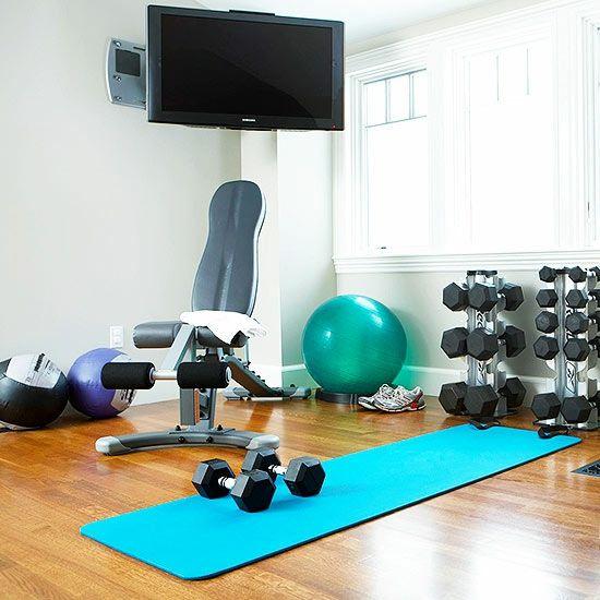 Fitnessraum zu hause gestalten  garage umbauen fitnessraum einrichten yogamatte   Fitnessstudio zu ...