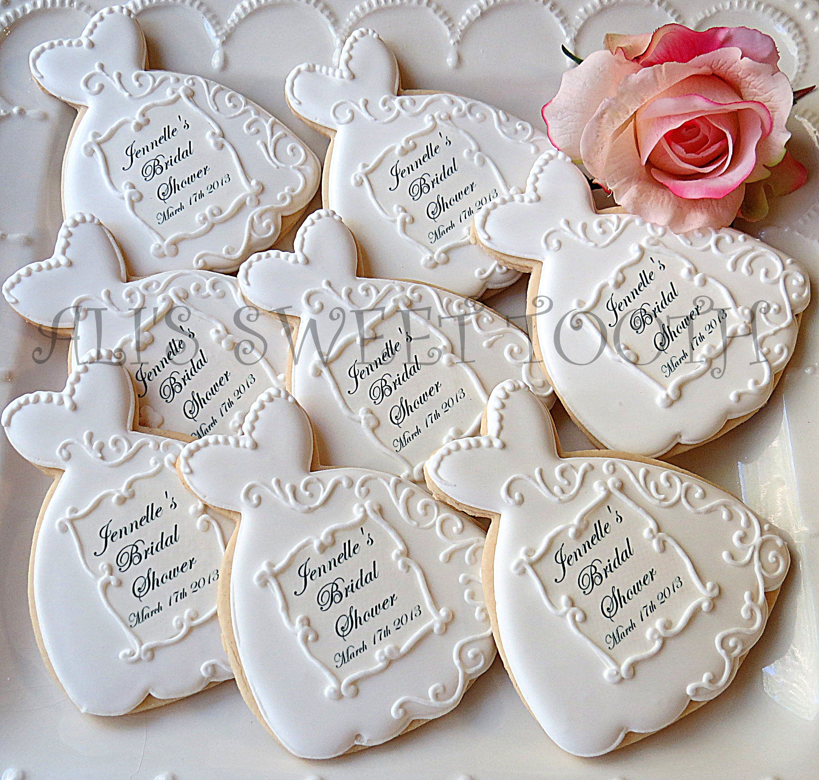 Wedding cookie favors | Cookie Art | Pinterest | Cookie favors ...