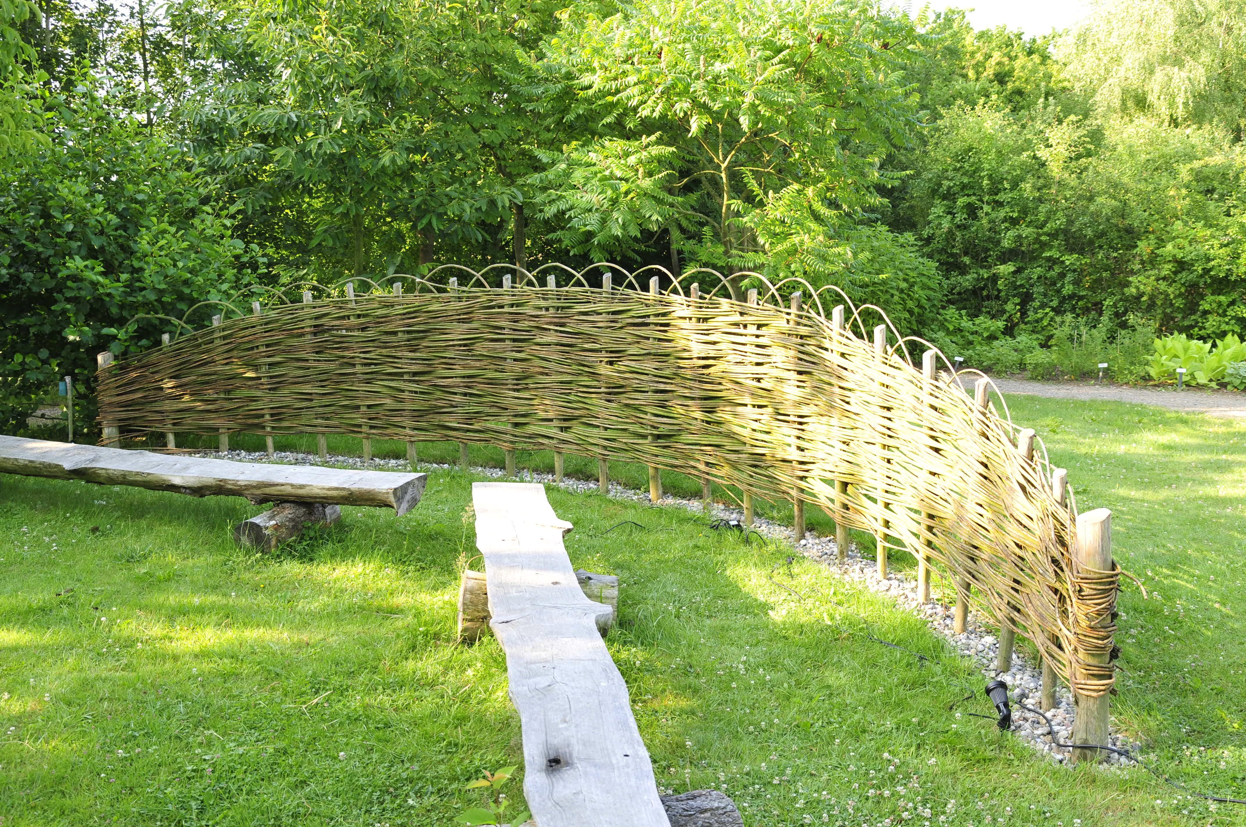 Sichtschutz Selber Bauen 5 Diys Aus Naturmaterial Naturzaun Garten Sichtschutz Selber Bauen