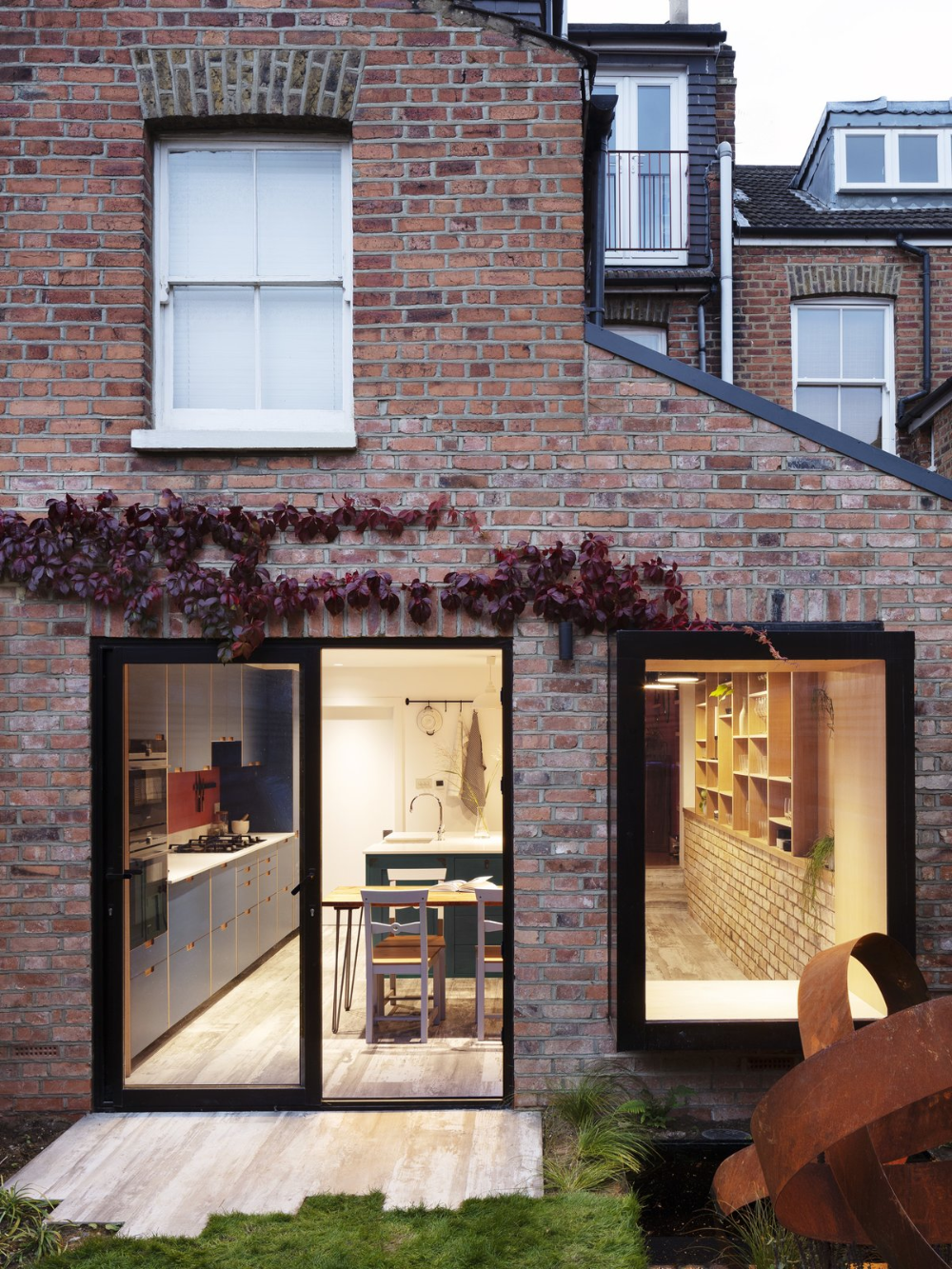 Photo 1 Of 7 In A London Terrace House Gets A Luminous Expansion In 2020 House Terrace House Street House