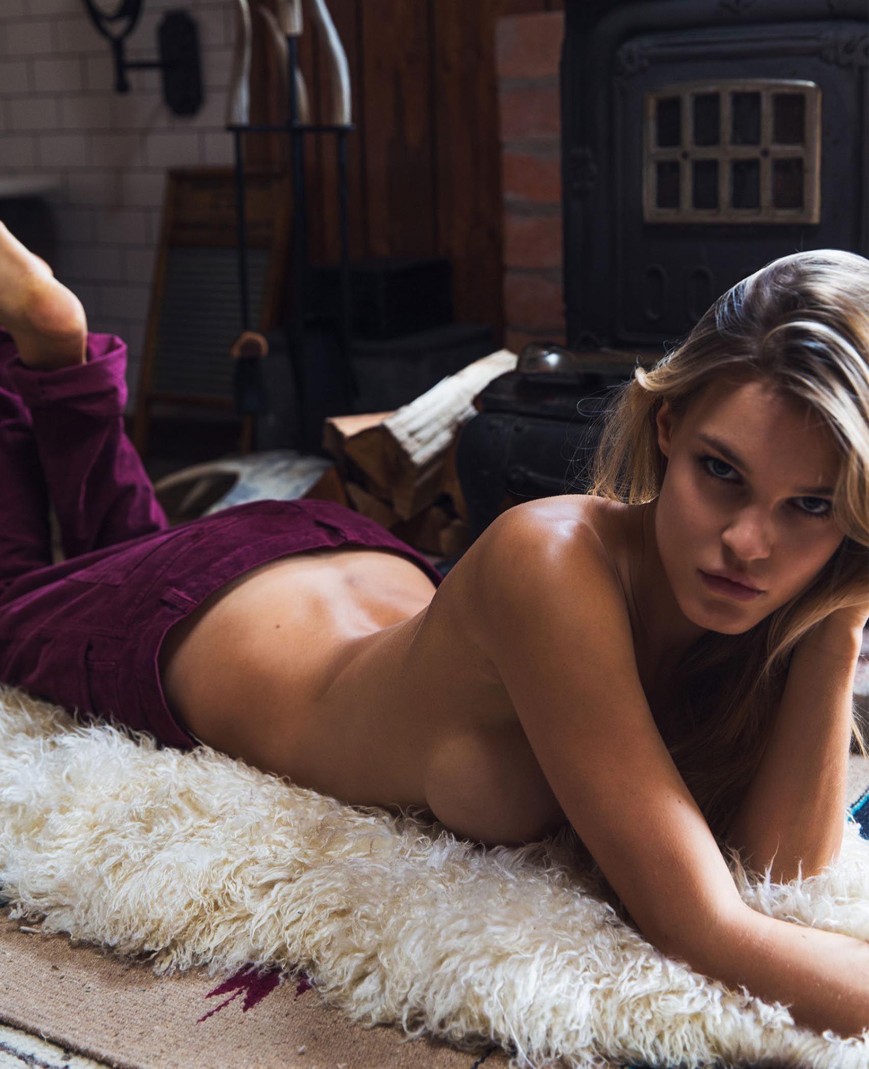 Ass Joy Corrigan nudes (52 photo), Pussy, Paparazzi, Instagram, braless 2006