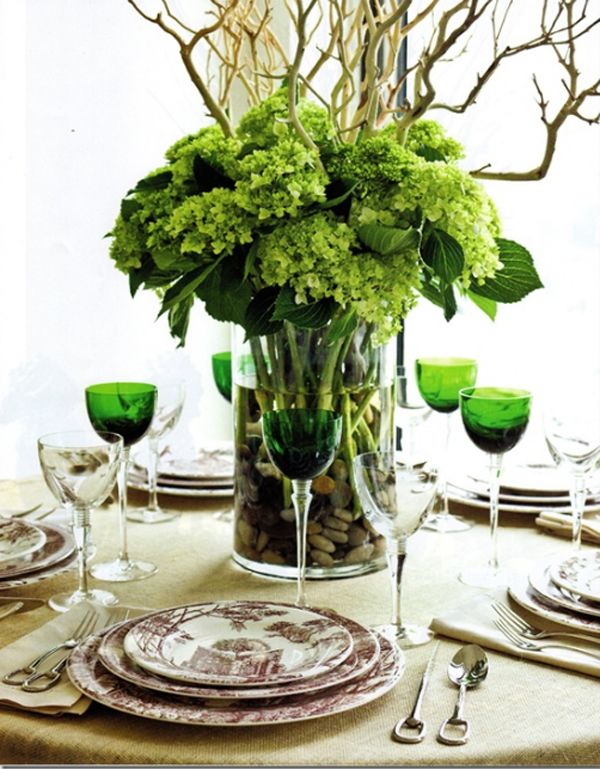 33 Most Amazing Christmas Table Settings green-table-setting-for ...