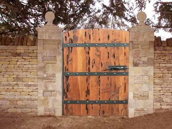 Image gallery rustic gates for Rustic garden gate designs