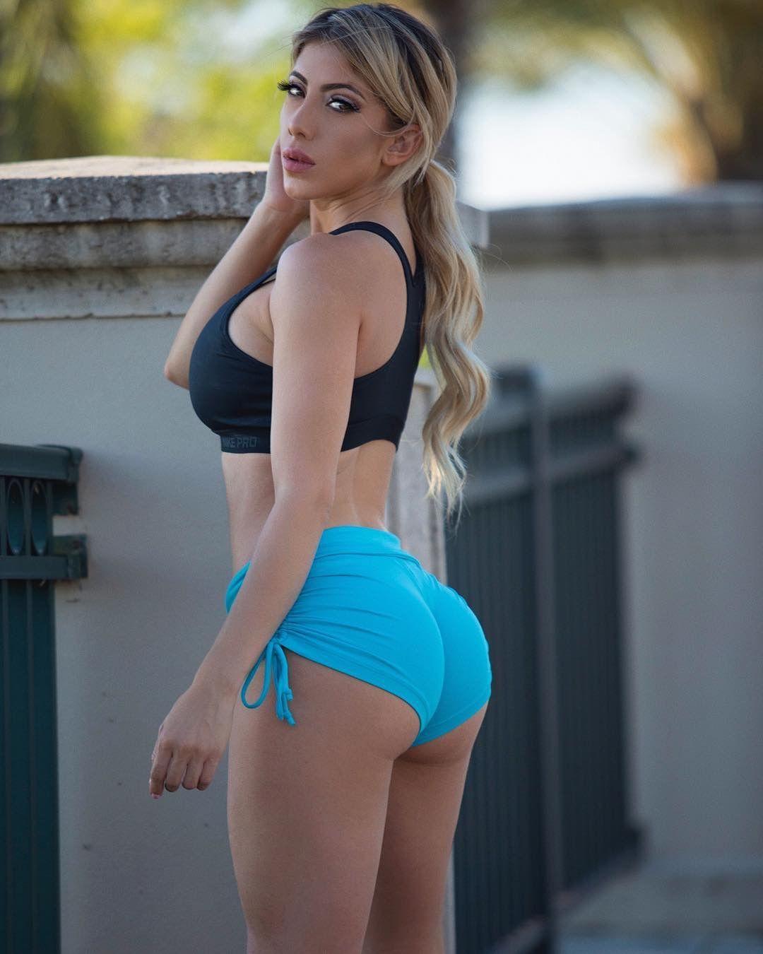 Feet Giulia Coppini nude (34 foto and video), Ass, Paparazzi, Instagram, panties 2015
