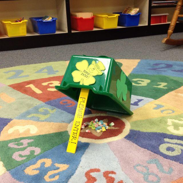 Easy leprechaun trap classroom decor organization pinterest school kindergarten fun - Trap decor ...
