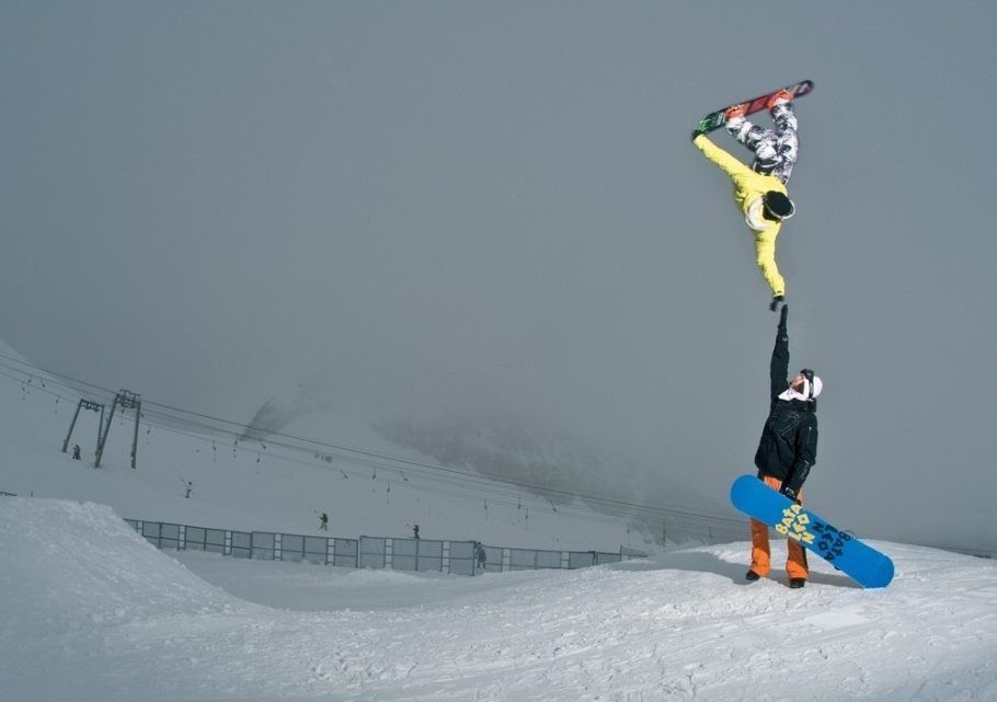 Snowboarder Tyler Chorlton pulls off the highest of fives. | 30 Incredible Once In A LifetimeShots