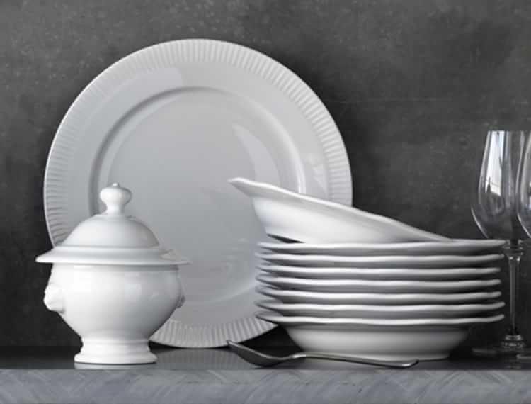 Pillivuyt Queen Anne Porcelain Cups \u0026 Saucers Set of 4   Williams-Sonoma & Pillivuyt Queen Anne Porcelain Cups \u0026amp; Saucers   Queen anne ...