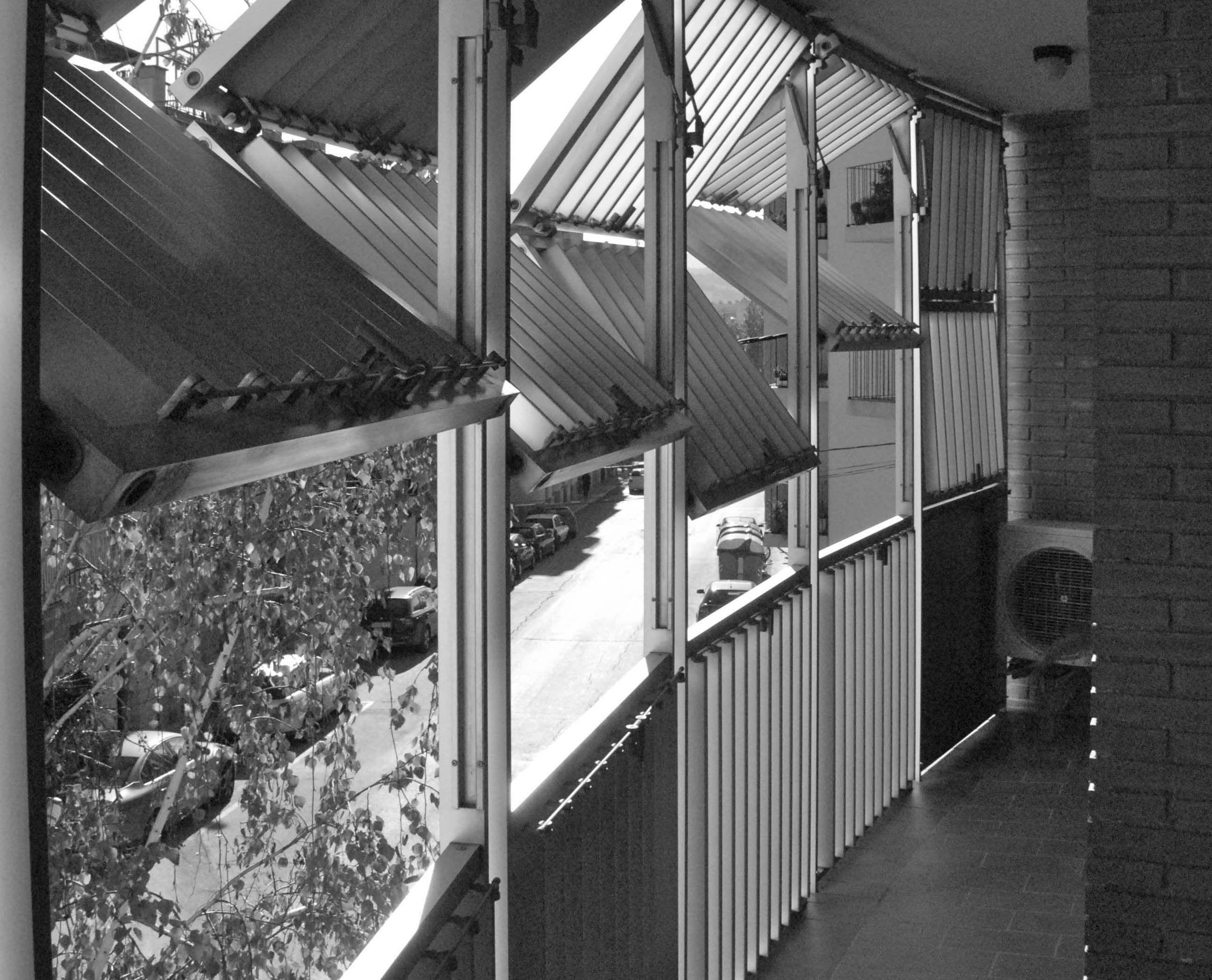 Vertical Folding Sliding Louvered Shutters In Igualada 235 Filt3rs Merelbeke Pinterest