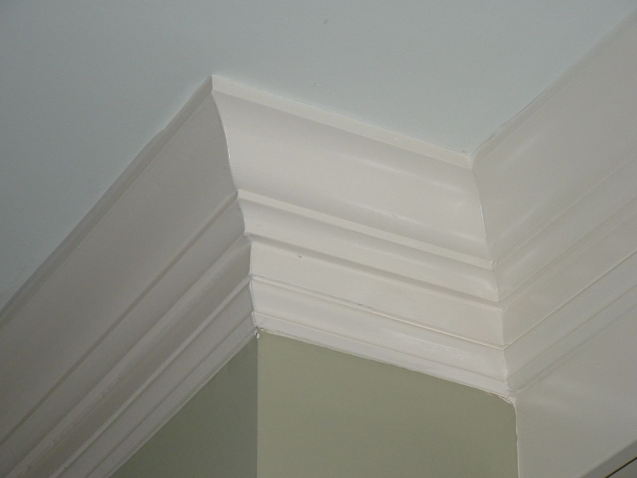 How to cut base molding around wall vent - Here You See Two Piece Crown Mouldings Consisting Of Four And Three Quarter Mdf Crown And Six Inch Mdf Speed Base Mouldings