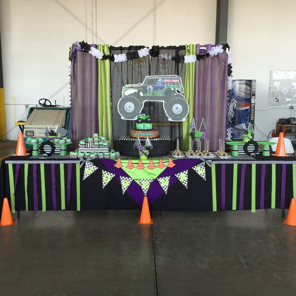 Monster jam gravedigger birthday party ideas monster jam for Grave decorations ideas