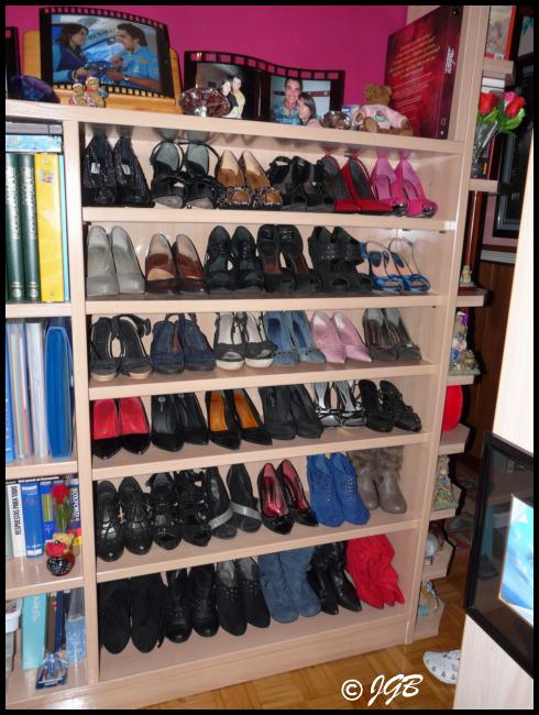 Pin de thamara rodriguez en mueble para zapatos for Muebles para acomodar zapatos