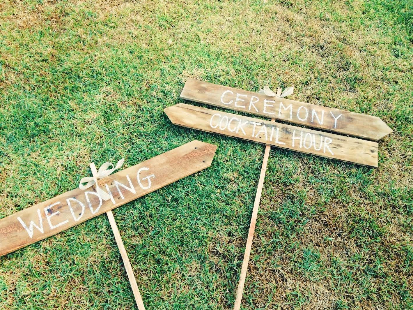 | DIY wedding signs |